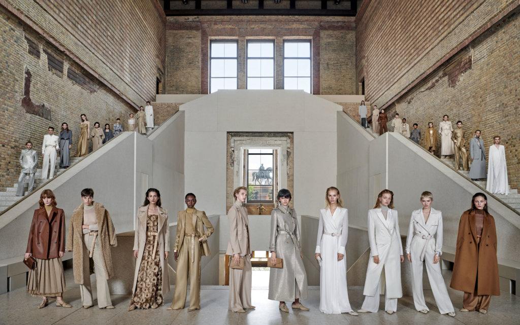 01:意大利品牌Max Mara成為有史以來在柏林新博物館(Neues Museum)開辦時裝秀的首個品牌