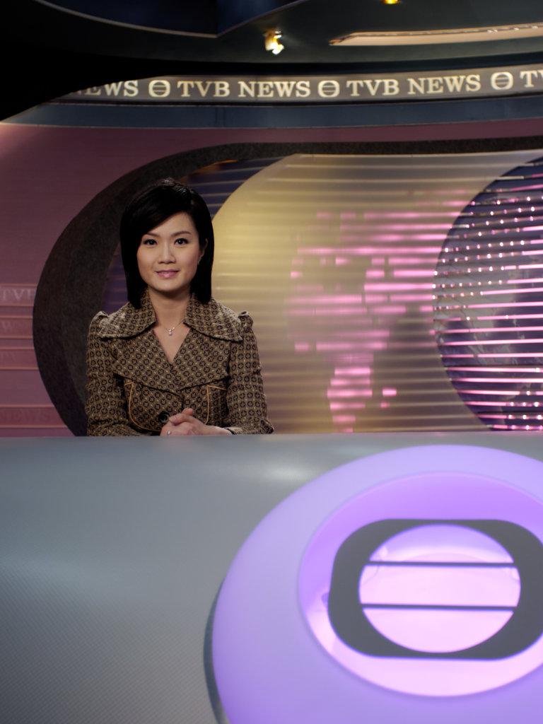 方健儀曾擔任無綫新聞女主播,深入民心。