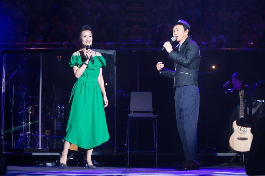 方健儀在2016年區瑞強演唱會中獻唱。