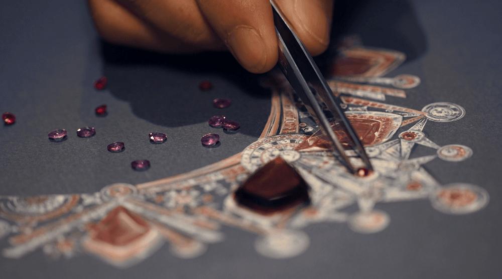 Loupe珠寶研學院是周大福珠寶集團為期十年的可持續發展計劃之一,務求讓珠寶工藝一直傳承下去。