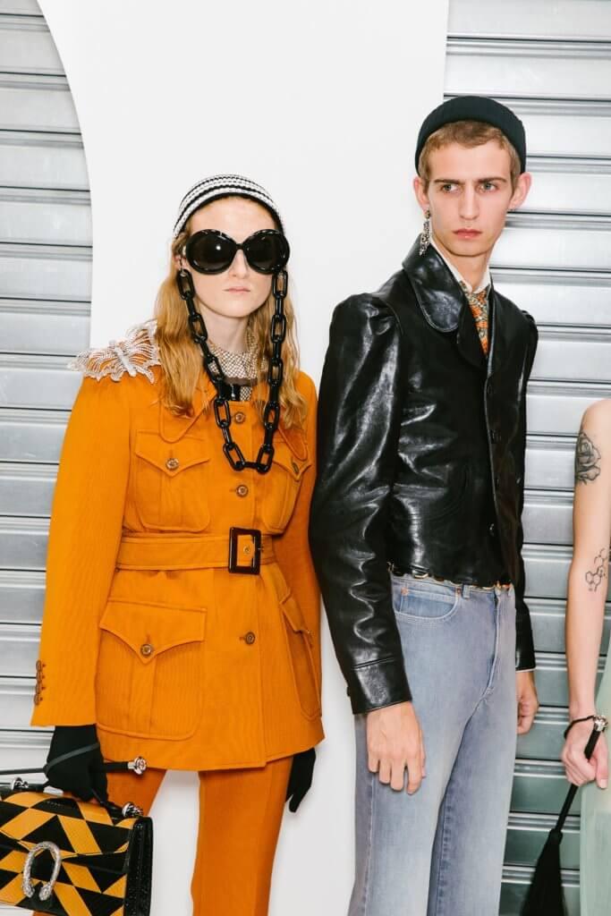 在設計師Alessandro Michele筆下的Gucci,近幾季帶著模糊著性別的設計,將男女裝時裝騷合拼舉行,而早前則宣佈會獨立重返米蘭男裝周日程。