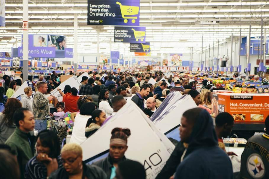 去年Walmart Stores的黑色星期五人頭湧湧