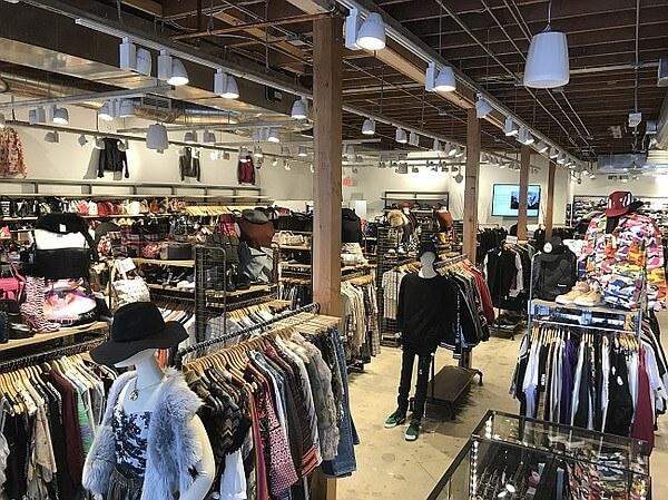 日本擁有大量時尚二手店