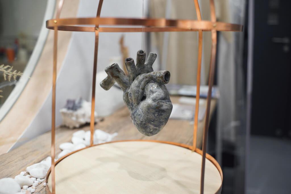 這個陶瓷心臟同時是擴音器