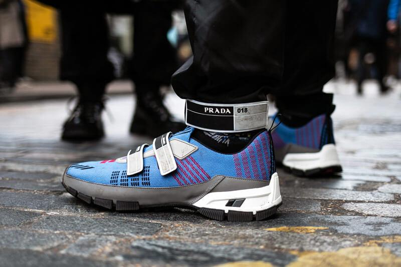有人疑惑如Prada等一眾時裝品牌已有推出他們的波鞋,為什麼還要與運動品牌合作;然而他們未了解到聯乘的魅力所在。
