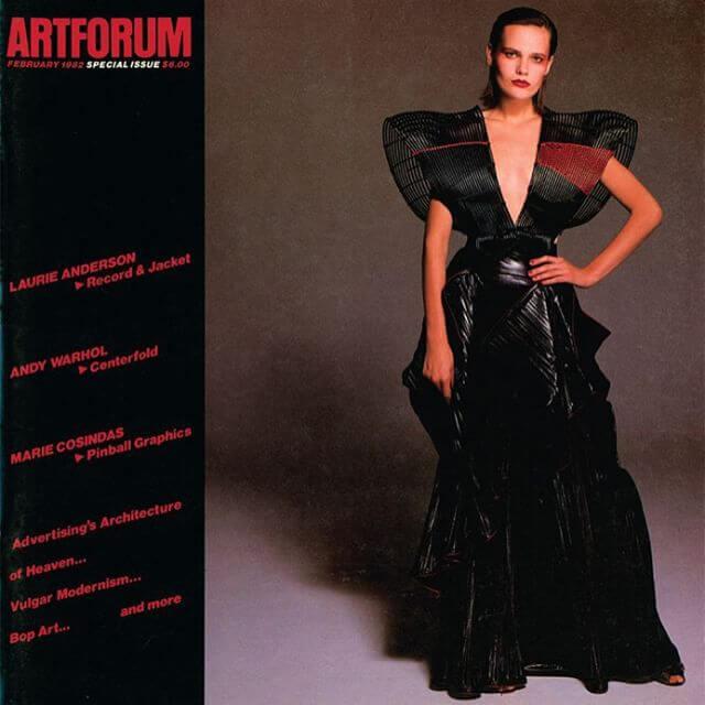 1982年,極有分量的藝術雜誌《Artforum》破天荒以穿上Issey Miyake的模特兒做封面