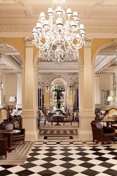 lobby-at-claridges-hotel-london-conde-nast-traveller-20dec16-pr
