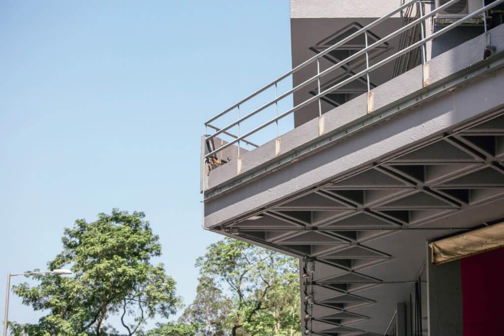 藝術中心的地盤狹小,何弢妙用三角形為主要建築結構和設計元素。