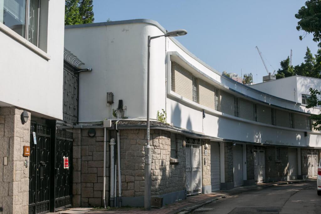 這批豪宅建於上世紀30年代,其美學跟當時歐洲流行的現代主義美學十分相似。