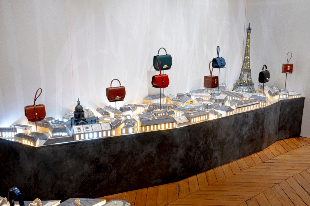 逾一百七十年歷史的Moynat,經過經濟危機與品牌興衰,在2011年於巴黎重開,將傳統頂級製作工藝捲土重來。