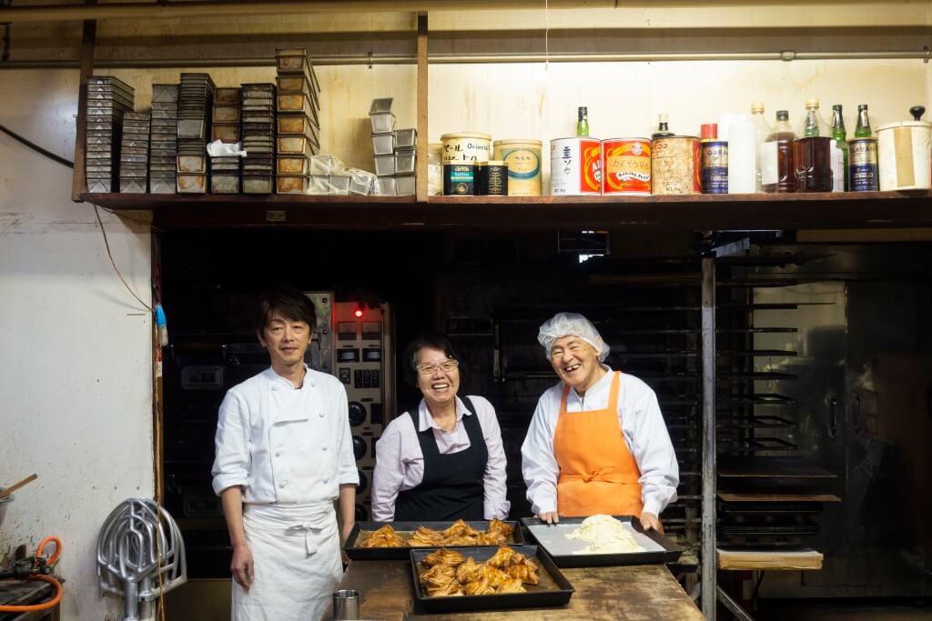 ジャルダン洋菓子店是葛西家的家族餅店,自昭和51 年開業至今,由八十二歲爸爸葛西清逸、太太和兒子 葛西涉打理。