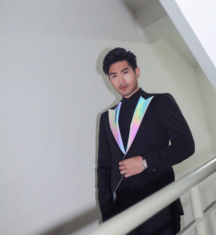 他與友人創立服飾品牌YOYUU LAB