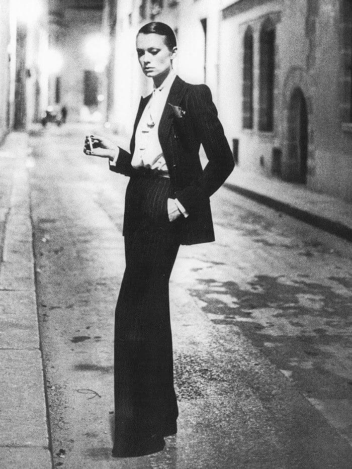 "Yves Saint Laurent史上首套屬於女性燕尾服的""Le Smoking"",無一不是女性地位提升的歷史象徵。"