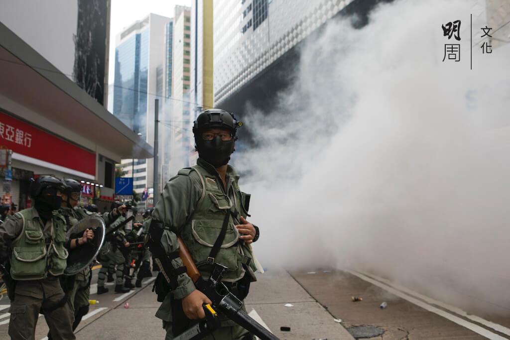 「催淚彈不只是一個數量,它代表一種危險氣氛,激化了抗爭者對於警察的仇恨。」