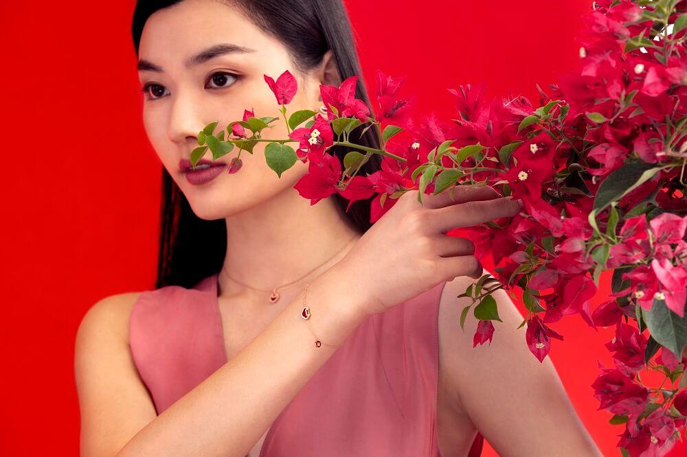 Petite Yu Yi 18K 玫瑰金鑽石及紅瑪瑙頸鏈 $12,380 Petite Yu Yi 18K 玫瑰金鑽石及 紅瑪瑙手鏈 $10,880