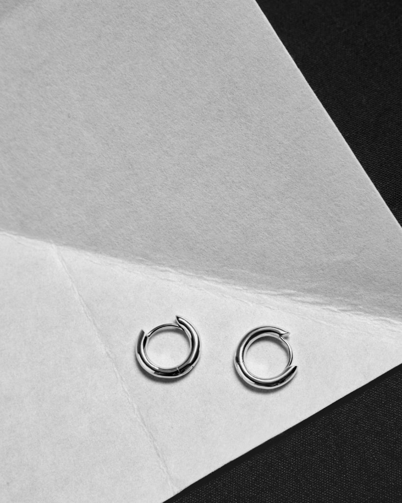 small-silver-hoop-earrings-hkd-450