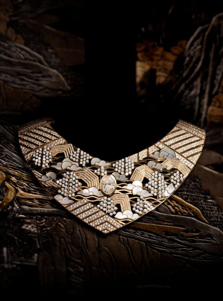 去年CHANEL的高級珠寶系列Coromandel,以中式復古的屏風為靈感。