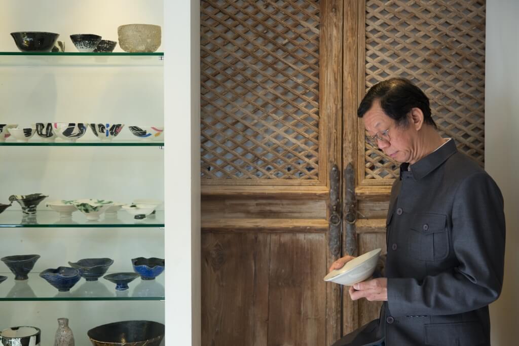 陶藝家李梓良老師最擅長製作陶 碗,他說:「造不同用途的碗都有 不同的細節。若果用者找到用心 處,也能為這隻碗續寫故事。」