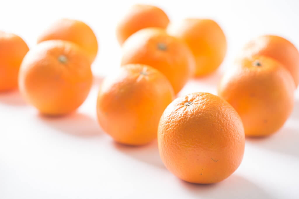 價錢合理,按橙的大小作價,36個裝約75~80mm大的,賣$300。