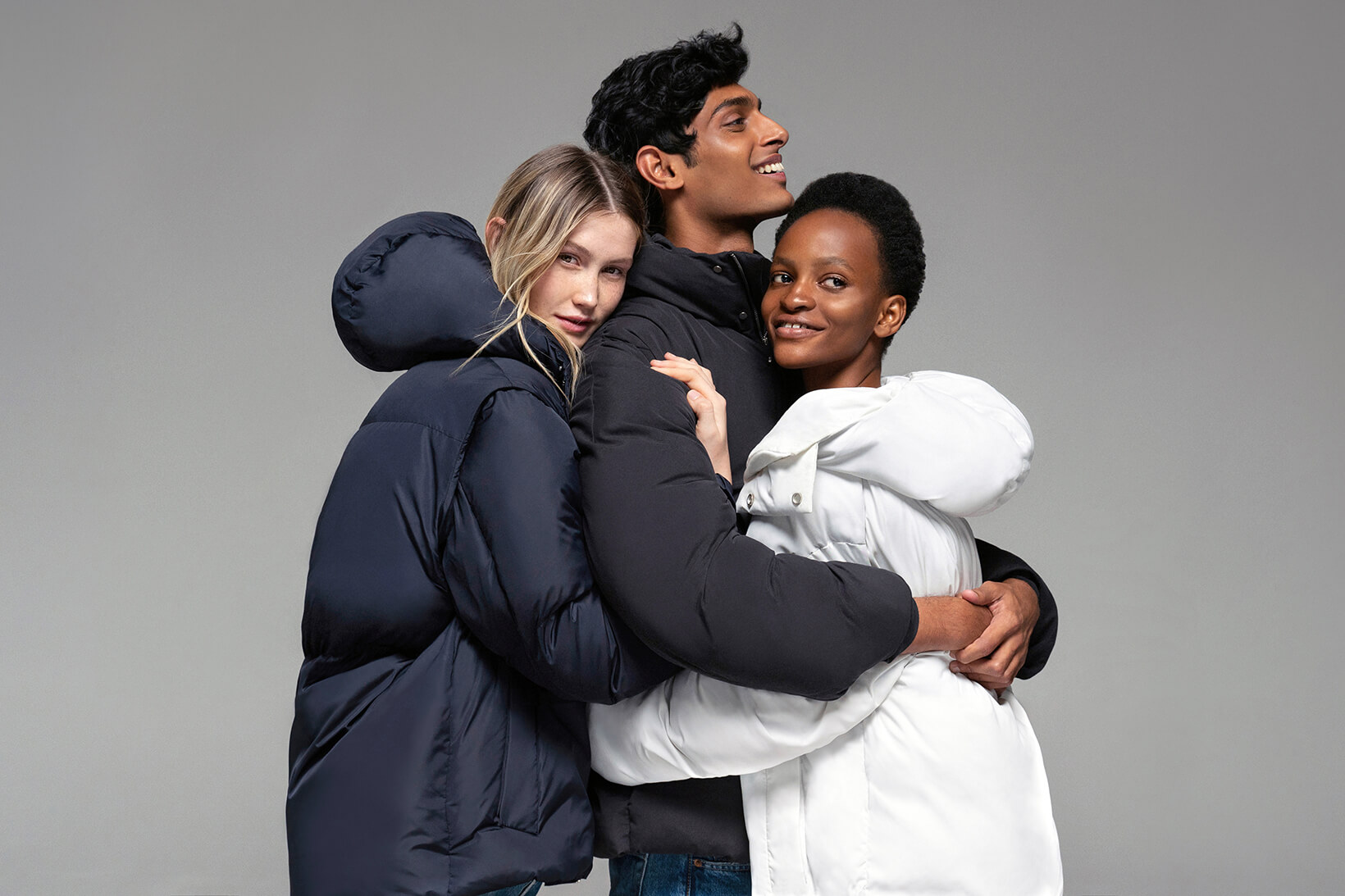 pangaia-flwrdwn-puffer-jackets-winter-white-black-sustainable-cruelty-free-recycle-1