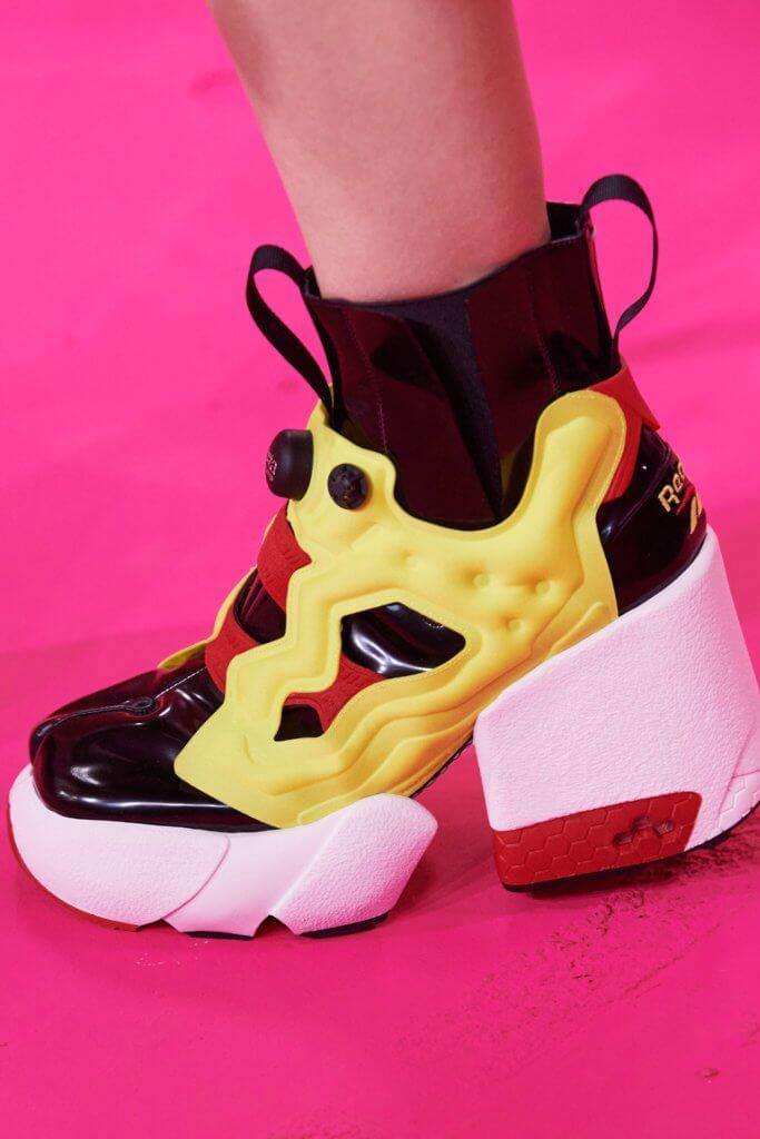 是次系列的另一焦點,品牌與Reebok合作,將經典Tabi分趾鞋與Reebok Instapump Fury結合,加上高踭設計,以破格手法重現經典。