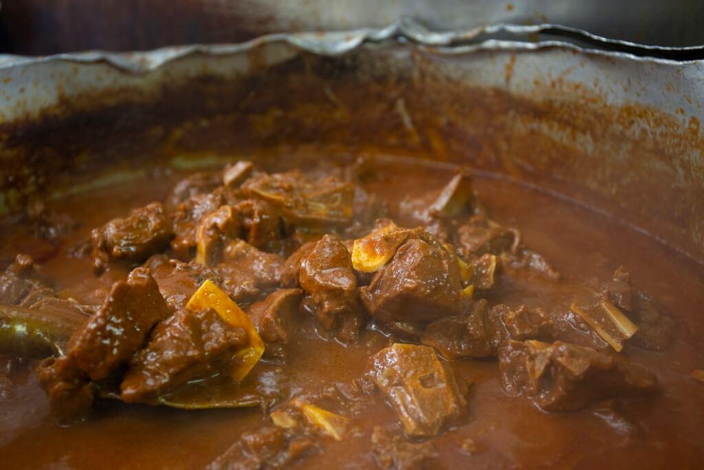羊肉每天新鮮熬製,帶 點微微羶香,不過個人覺得 煮得再腍一點點便完美了。