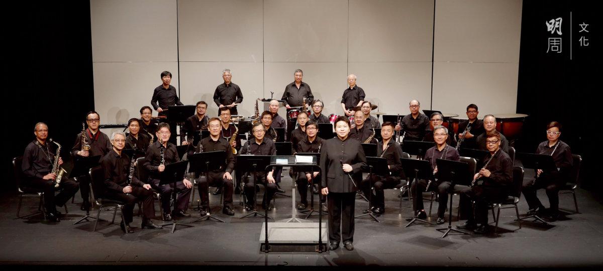 「信義男爵樂團」是基督教香港信義會社會服務部屬下的音樂計劃, 專為一班五十歲以上的男士而設, 現屆學員一百二十人。不少成員由零起步,從基礎訓練到小隊合奏,以管樂合奏為終極目標。經常獲邀演出。(圖片由「信義男爵樂團」提供。)