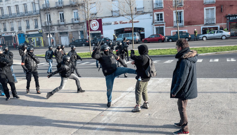 警暴問題在法國備受關注(圖片:法新社)