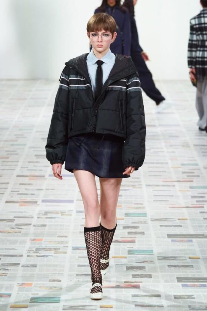 羽絨服的設計,對於Dior這個奢華品牌來說實在罕見。