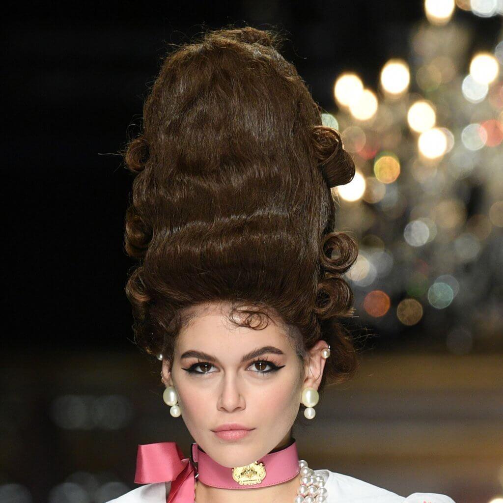 milan-fashion-week-moschino-makeup-hair