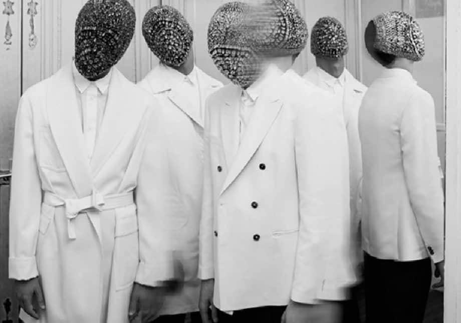 maison-margiela-retrospective-live-in-paris-vivisxn-media-vintage-margiela-avant-garde-90s-margiela-vivisxn-fashion-technolo