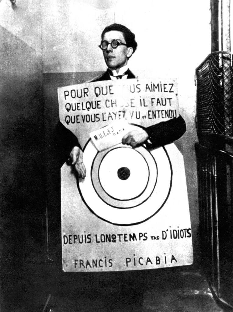 超現實主義發起人布勒東在巴黎的「作品劇場」,一九二〇年三月。