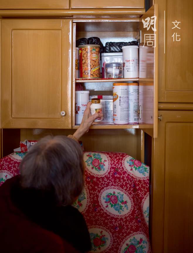 藥,成為晚年生活的必需品。