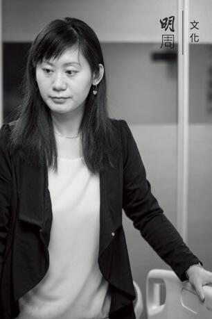 香港老年學會註冊護士羅曼詩說,長者也有自尊,也會注重私隱,建議照顧員要考慮到對方的感受,換片或清潔前盡量打聲招呼。