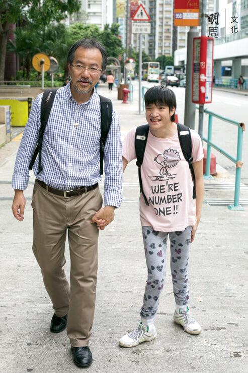 張超雄工作繁忙,一有時間,就會盡量陪伴女兒,盈盈特別喜歡和爸爸相處。