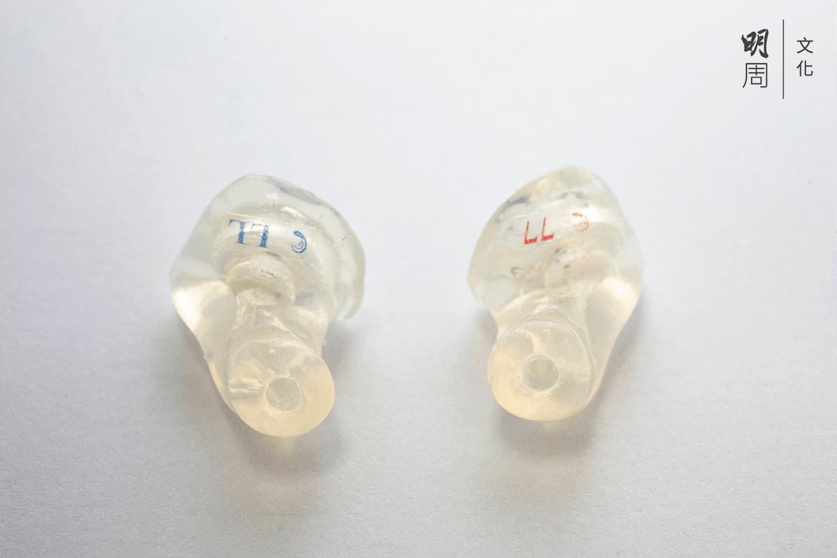 透過倒模度耳訂造的工地職業安全用的耳塞,每對約數百元。