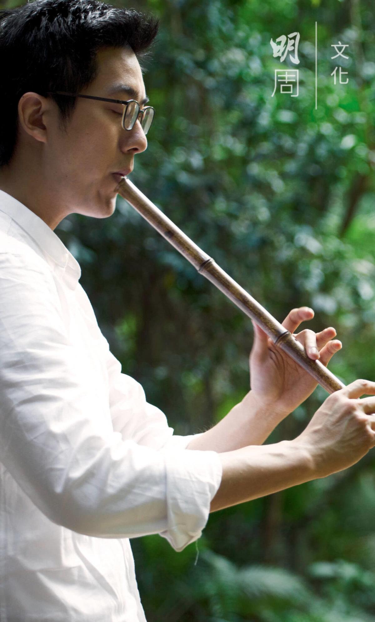 除了習琴,鍾兆燊亦擅簫,常為琴伴奏。