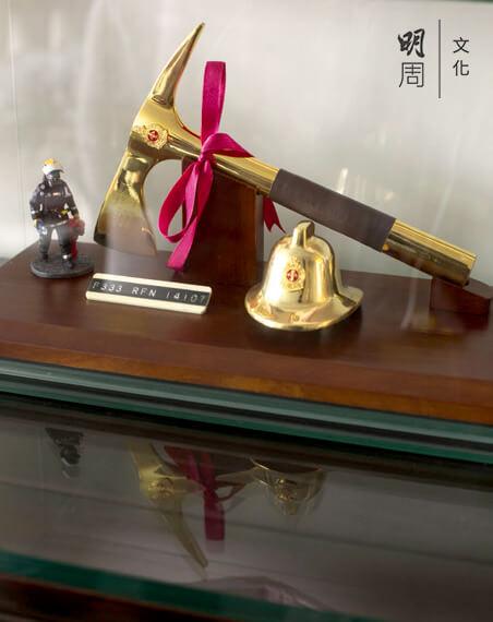 作為消防員的榮譽,金斧頭。