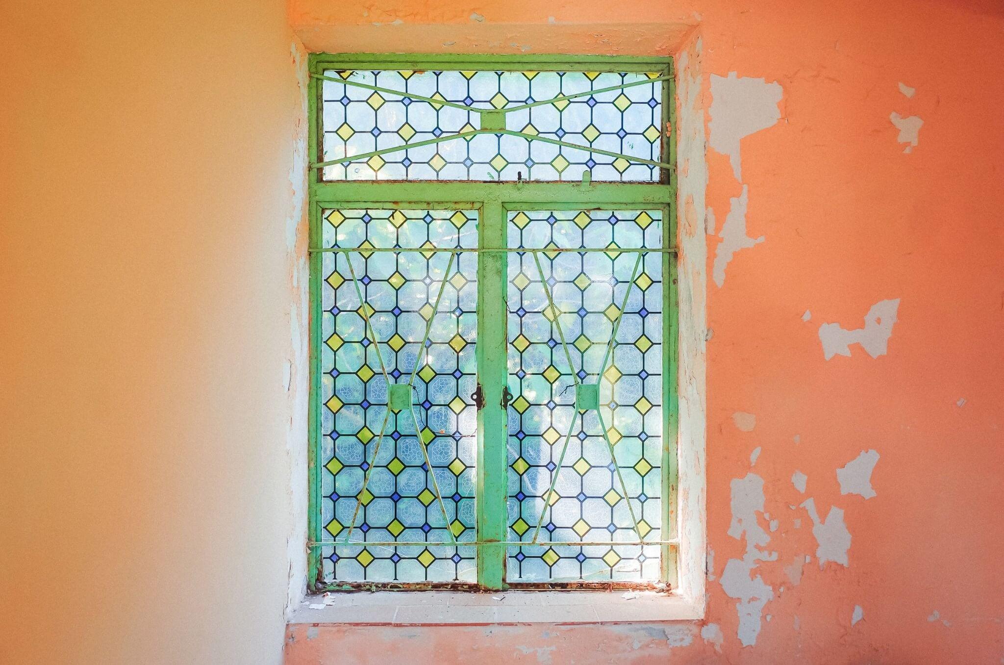 舊日有特色的鐵窗