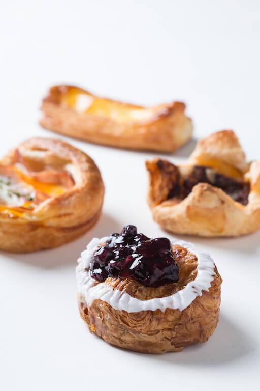 時至今日,酥有很多可能,丹麥酥形態、餡料千變萬化。正好滿足了這個日新月異的社會。