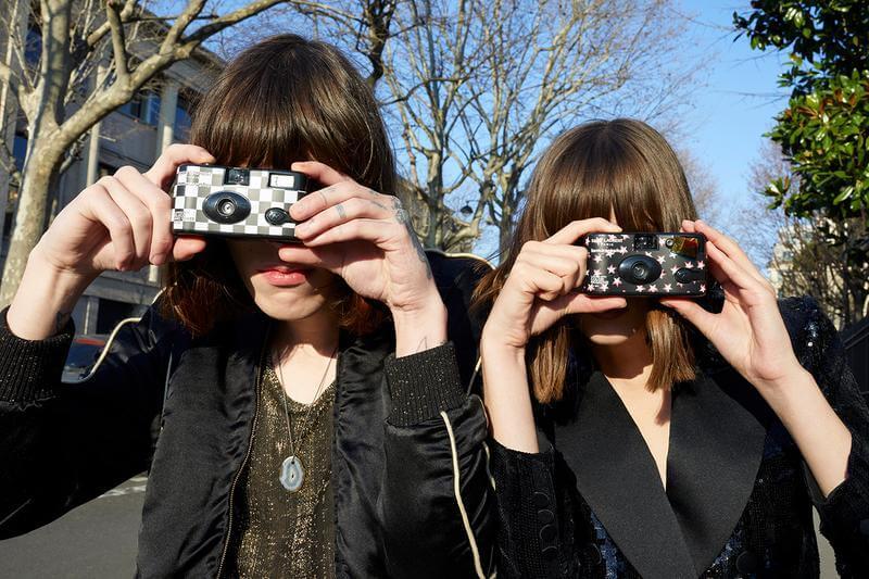 SAINT LAURENT與LOMOGRAPHY推出別注菲林相機