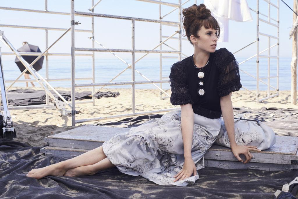 Gabriella Pescucci的設計就像意國女人穿上的服裝一樣,是那樣灑脫悠然。