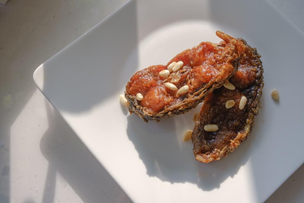 熏魚好吃在那酸酸甜甜的味道,以及香脆的炸皮,香而不膩。