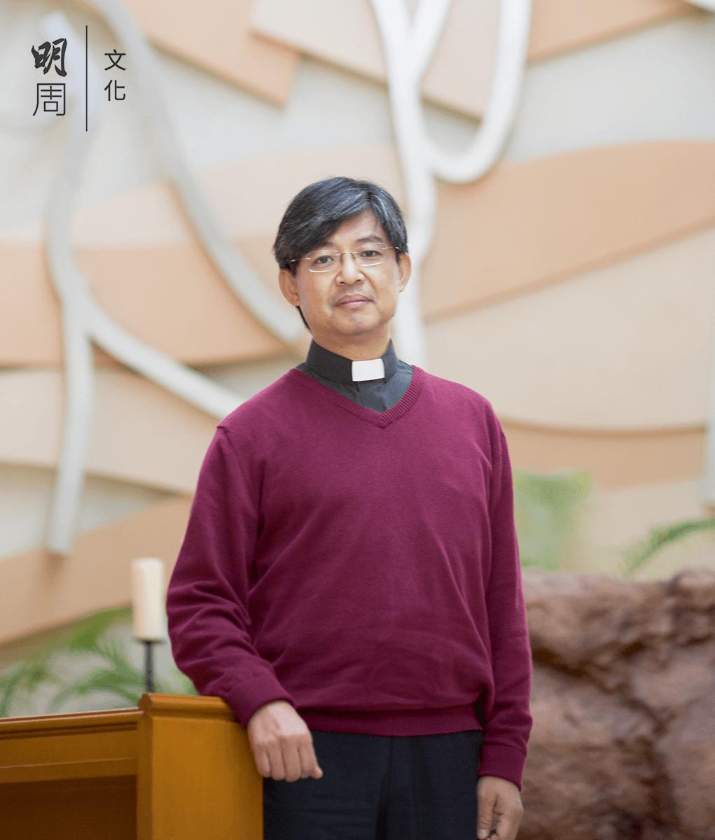 香港聖公會明華神學院副院長林振 偉牧師說,宗教最深層的部分就是 一切的共通,是世界大同,而那裏 再也沒有界限。