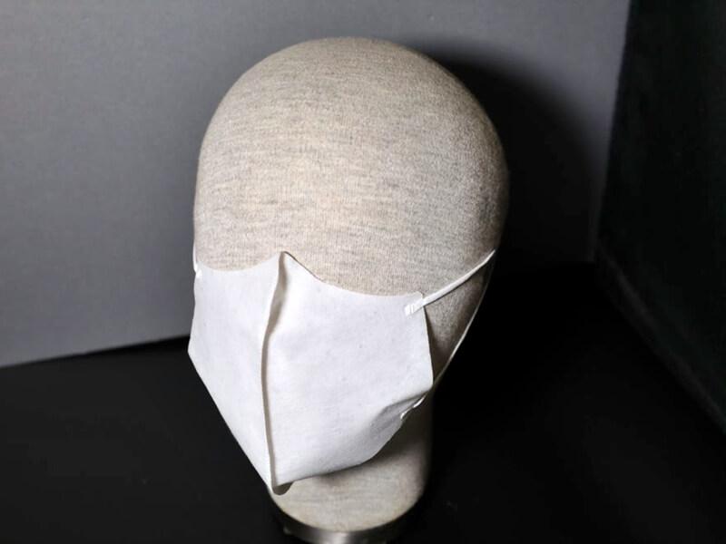 維特健靈與本港生產及研發空氣過濾專利物料MultiH®之廠商百達洋行合作,生產高防護性口罩。