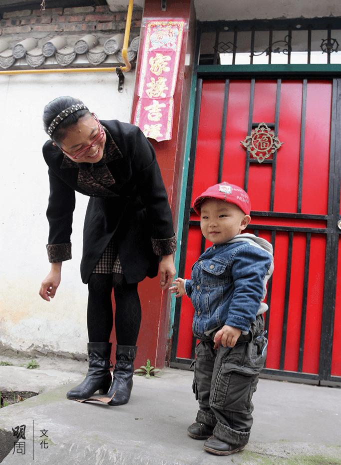 甘文慧在大兒子遇難後、小兒子出生前幾乎沒笑 過。
