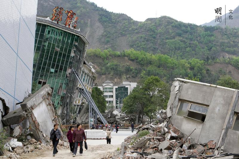 官方數據顯示,5‧12 汶川大地震,四川全省共有 68,712 人遇難,17,921 人失蹤。