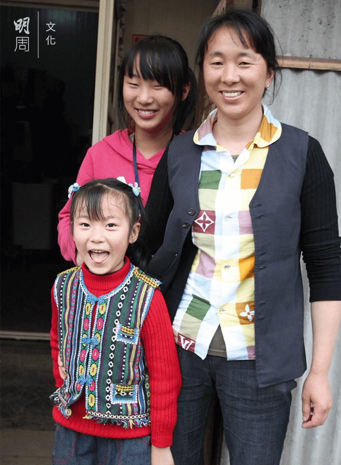 鄧湘會突然打電話回家哭說想爸爸,兩個女兒成為媽媽生活的最大動力。