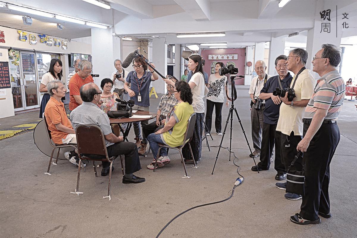 銀齡攝製組拍攝現場。圖片由長者安居協會提供。