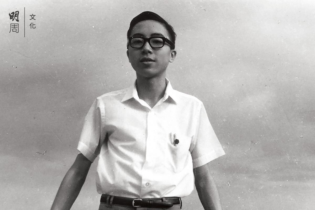 中學時代的John是校園活躍 分子,參加了十多個社團。